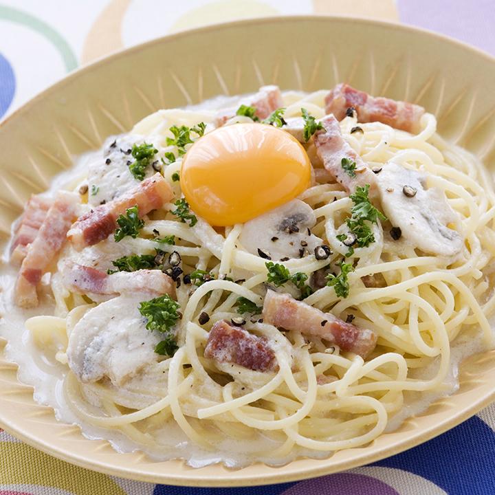 美味しそうなミルクカルボナーラパスタ・スパゲッティー